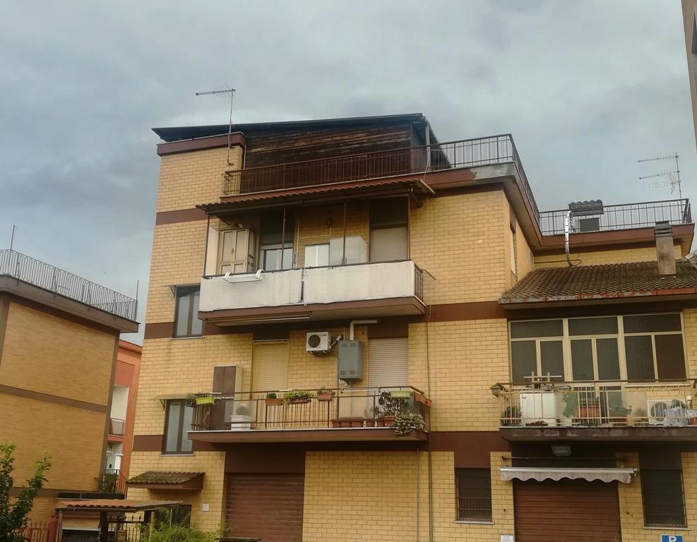 Tor De Cenci –  Appartamento 4 locali € 230.000 T418