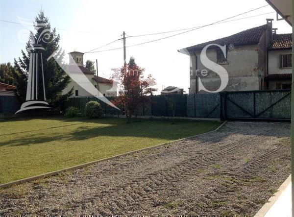 Appartamento in vendita a Brembio, 6 locali, Trattative riservate | Cambio Casa.it