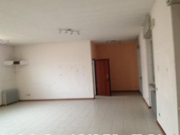 Ufficio / Studio in vendita a Vimercate, 3 locali, prezzo € 600.000 | Cambio Casa.it