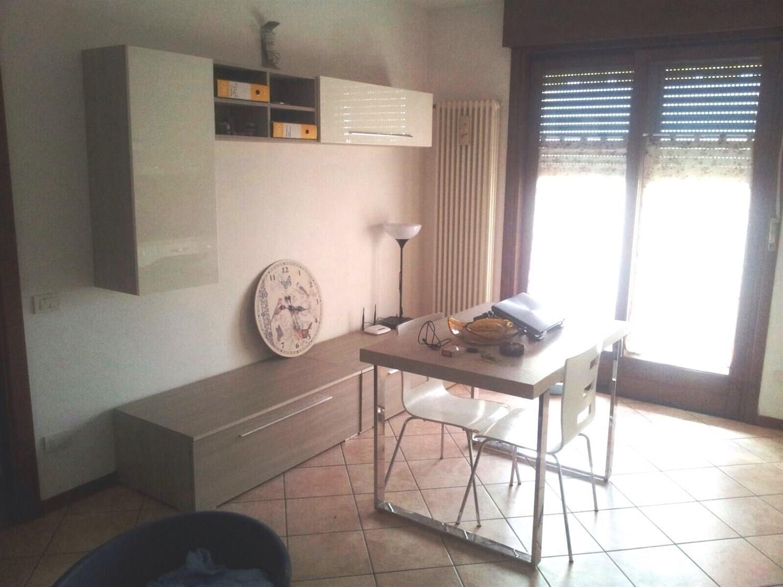 Appartamento in affitto a Agrate Brianza, 2 locali, prezzo € 630 | Cambiocasa.it