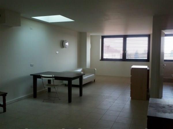 Appartamento in affitto a Agrate Brianza, 2 locali, prezzo € 500 | Cambiocasa.it