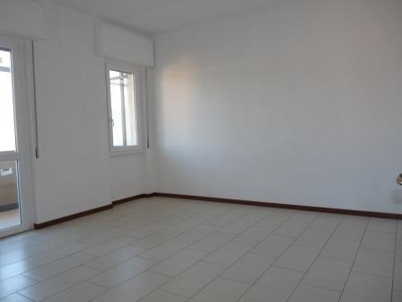 Appartamento in Affitto a Merate