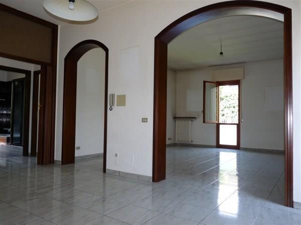 Appartamento in affitto a Vimercate, 3 locali, prezzo € 650 | Cambio Casa.it