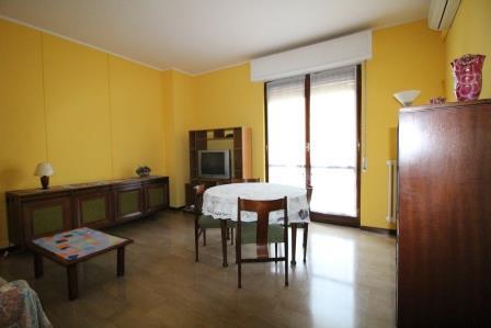 Appartamento in affitto a Carnate, 3 locali, prezzo € 550 | Cambio Casa.it