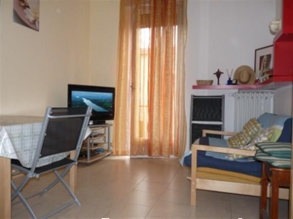 Appartamento in vendita a Carnate, 2 locali, prezzo € 90.000   Cambio Casa.it