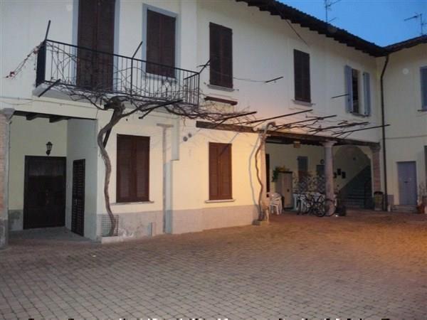 Appartamento in vendita a Aicurzio, 2 locali, prezzo € 90.000 | Cambio Casa.it