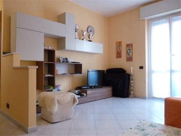 Appartamento in vendita a Bernareggio, 2 locali, prezzo € 98.000 | Cambio Casa.it