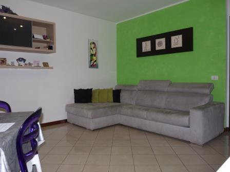 Appartamento in vendita a Mezzago, 2 locali, prezzo € 79.000 | Cambio Casa.it