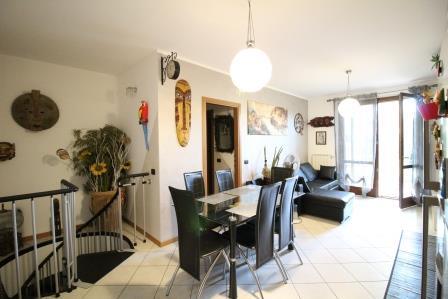 Appartamento in vendita a Ornago, 2 locali, prezzo € 180.000 | Cambio Casa.it