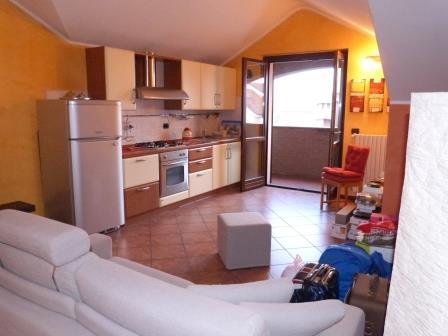 Appartamento in vendita a Bernareggio, 2 locali, prezzo € 120.000 | Cambio Casa.it