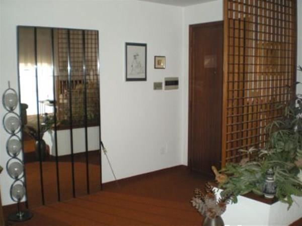 Appartamento in vendita a Bernareggio, 3 locali, prezzo € 150.000 | Cambio Casa.it