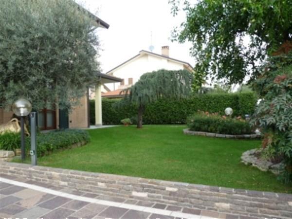 Villa in vendita a Bellusco, 4 locali, prezzo € 485.000 | Cambio Casa.it