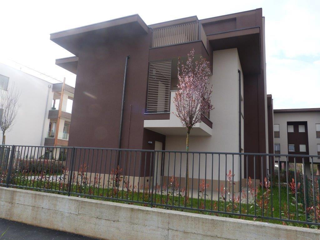 Appartamento in vendita a Vimercate, 3 locali, prezzo € 232.086 | Cambio Casa.it