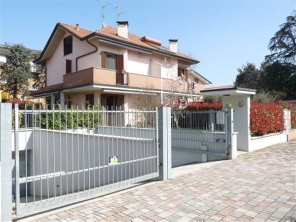 Villa in vendita a Busnago, 3 locali, prezzo € 285.000 | Cambio Casa.it