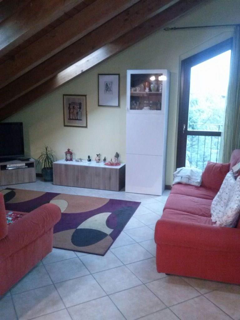 Appartamento in vendita a Bernareggio, 3 locali, prezzo € 165.000 | Cambio Casa.it