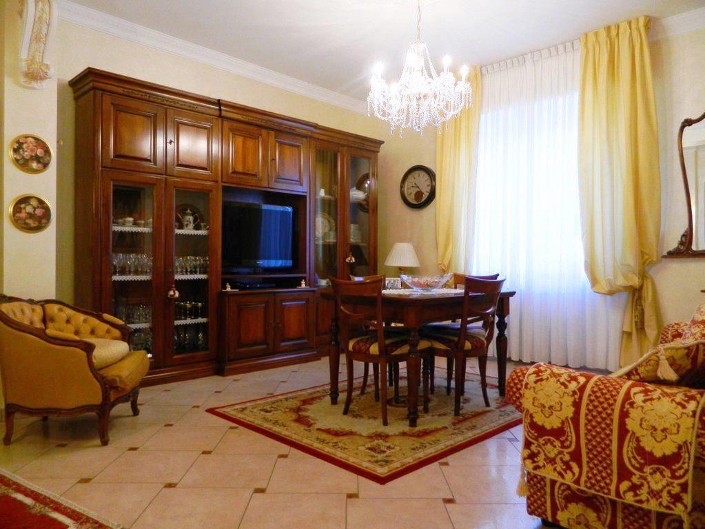 Appartamento in vendita a Villasanta, 3 locali, prezzo € 195.000 | Cambio Casa.it