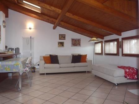 Appartamento in vendita a Carugate, 3 locali, prezzo € 168.000 | Cambio Casa.it