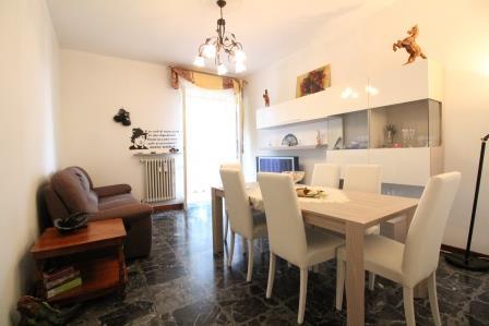 Appartamento in vendita a Bernareggio, 3 locali, prezzo € 113.000 | Cambio Casa.it