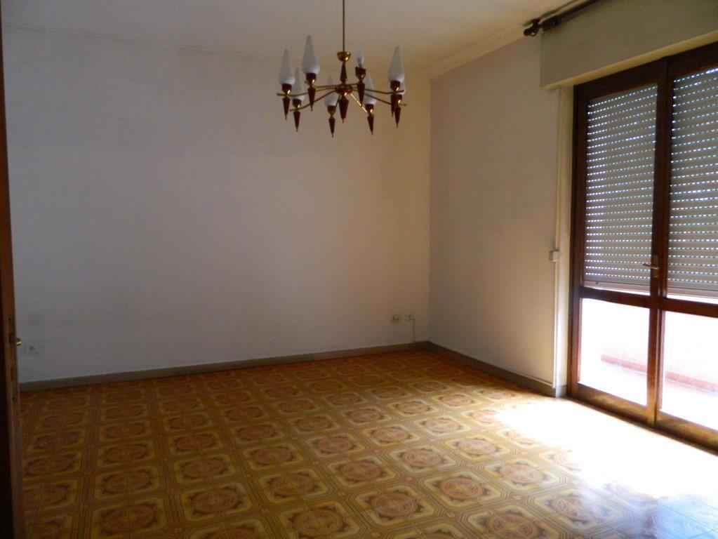 Appartamento in vendita a Mezzago, 3 locali, prezzo € 100.000 | Cambio Casa.it