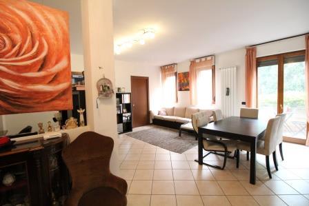 Appartamento in vendita a Usmate Velate, 3 locali, prezzo € 199.000 | Cambio Casa.it