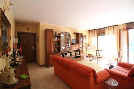 Appartamento in vendita a Bernareggio, 3 locali, prezzo € 157.000 | Cambio Casa.it