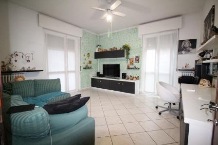 Appartamento in vendita a Burago di Molgora, 3 locali, prezzo € 175.000 | Cambio Casa.it