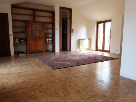 Appartamento in vendita a Arcore, 3 locali, prezzo € 199.000   Cambio Casa.it