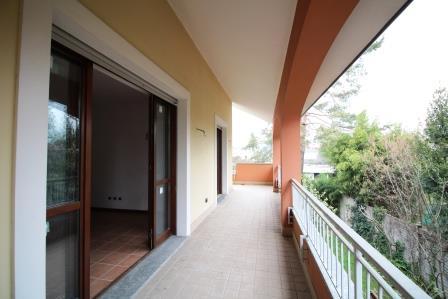 Appartamento in vendita a Bernareggio, 4 locali, prezzo € 224.200 | Cambio Casa.it