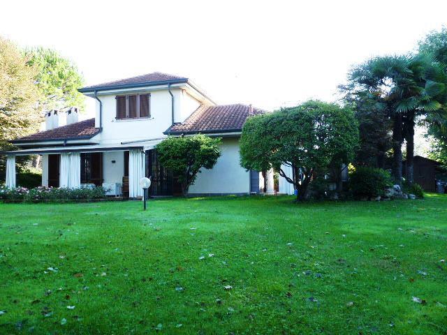 Villa in vendita a Carnate, 4 locali, prezzo € 540.000   Cambio Casa.it