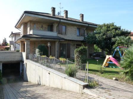 Villa in vendita a Busnago, 4 locali, prezzo € 379.000 | Cambio Casa.it