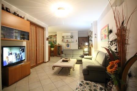 Appartamento in vendita a Bernareggio, 4 locali, prezzo € 235.000 | Cambio Casa.it