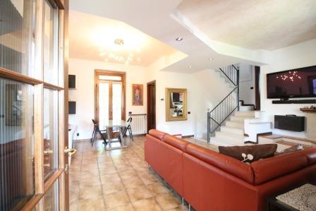 Villa in vendita a Mezzago, 4 locali, prezzo € 370.000 | Cambio Casa.it