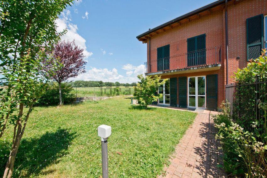 Villa in vendita a Lomagna, 4 locali, prezzo € 348.000 | Cambio Casa.it