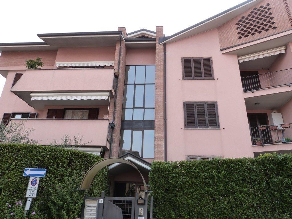 Appartamento in vendita a Mezzago, 4 locali, prezzo € 195.000 | Cambio Casa.it