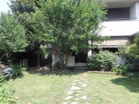 Villa in Vendita a Agrate Brianza
