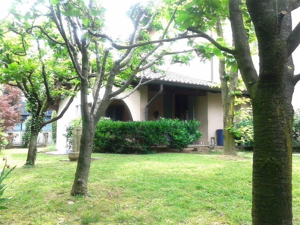 Villa in vendita a Vimercate, 5 locali, prezzo € 790.000 | Cambio Casa.it