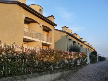 Villa in vendita a Bellusco, 5 locali, prezzo € 345.000 | Cambio Casa.it