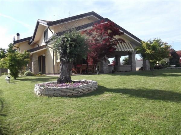 Villa in vendita a Cavenago di Brianza, 5 locali, prezzo € 780.000 | Cambio Casa.it