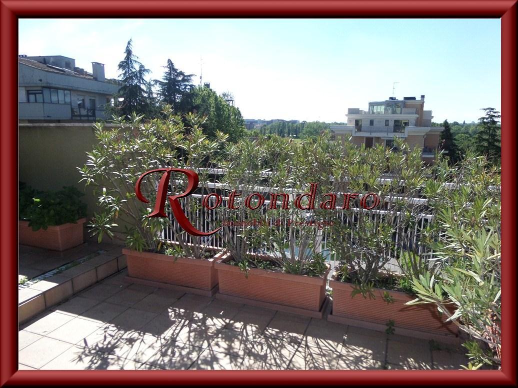 Appartamento in Vendita in Via Tesio Milano