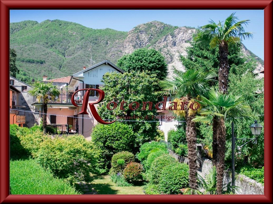Villa in Vendita in Via Indipendenza Baveno