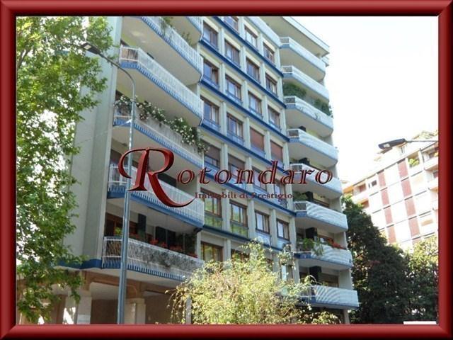 Appartamento in Vendita in Via Farnese Milano
