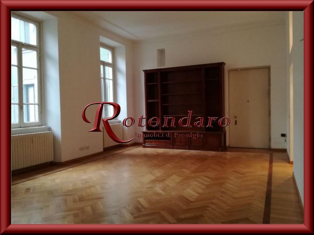 Appartamento in Affitto in Via Donizetti Milano