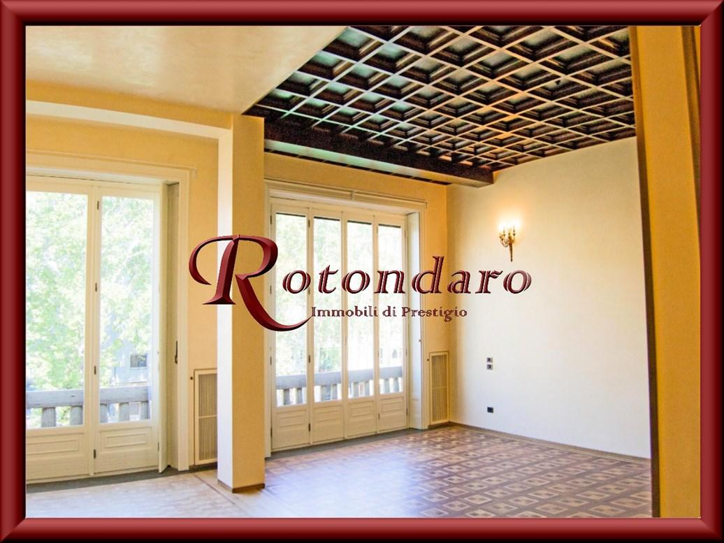 Appartamento in Affitto in Viale Monte Santo Milano