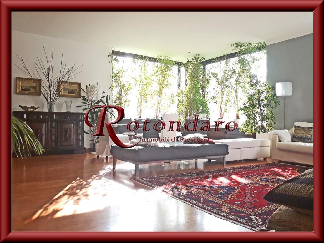 Appartamento in Vendita in Via Foscari Milano