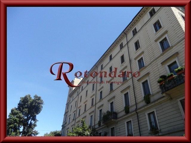 Appartamento in Vendita in Via Vincenzo Monti Milano