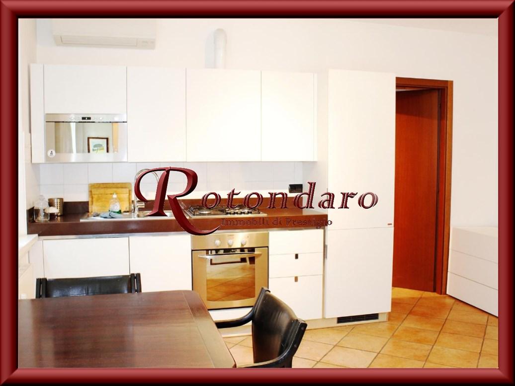 Appartamento in Affitto in Via Rossari Milano