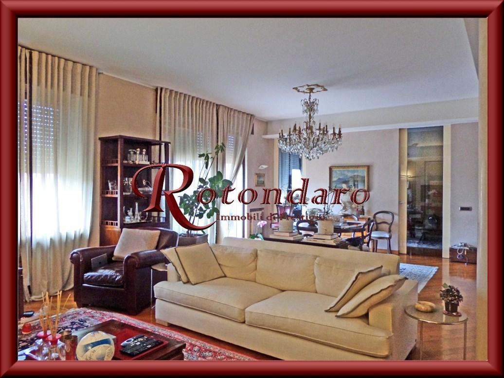 V Giornate, XXII Marzo, Porta Romana  Appartamento in Vendita