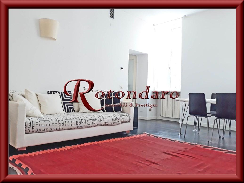 Appartamento in Affitto in Via Brisa Milano