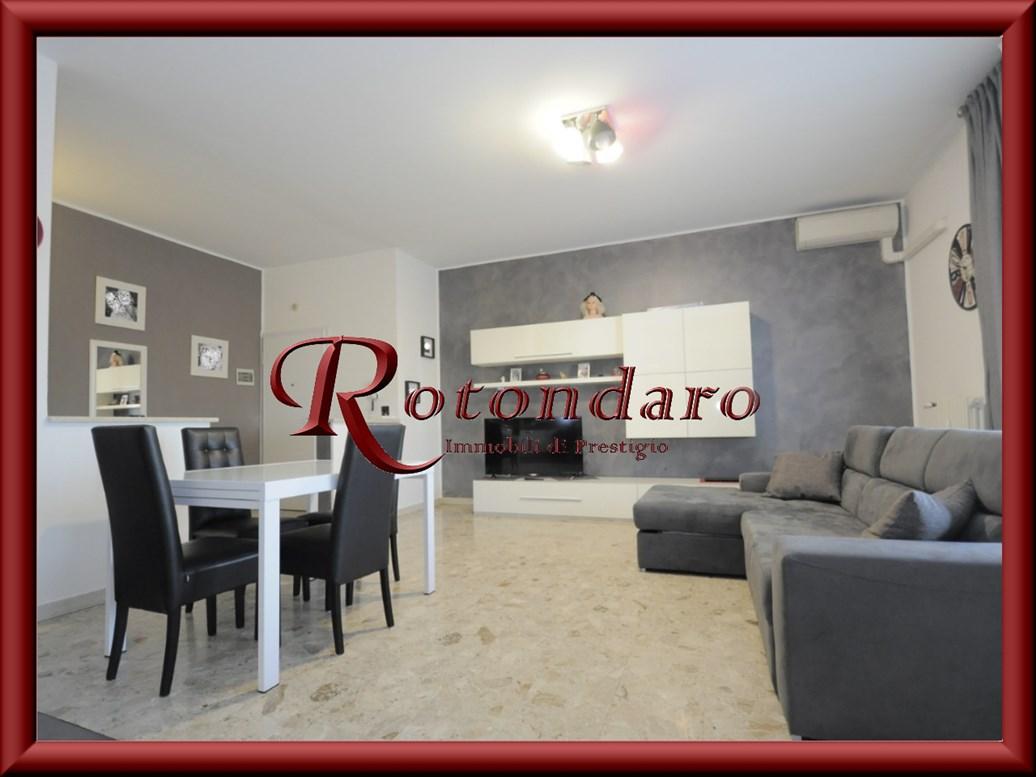 Appartamento in Vendita in Via Montello 8 Corsico