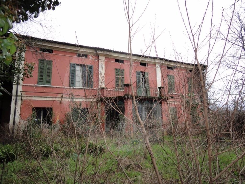 Castenedolo casa padronale in vendita for Grande casa padronale